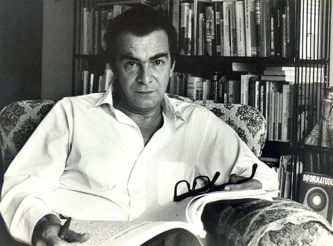 Darcy Ribeiro durante exílio na Venezuela