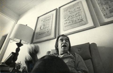Darcy Ribeiro durante entrevista