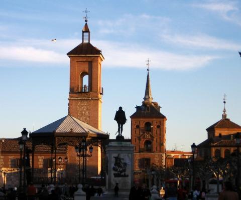 Paróquia Santa María la Mayor, em Alcalá de Henares, onde estão os documentos de batismo de Miguel de Cervantes