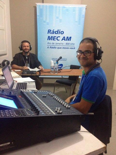 O apresentador Jansem Campos e o técnico Nielson Soares, na cobertura da Flip 2016