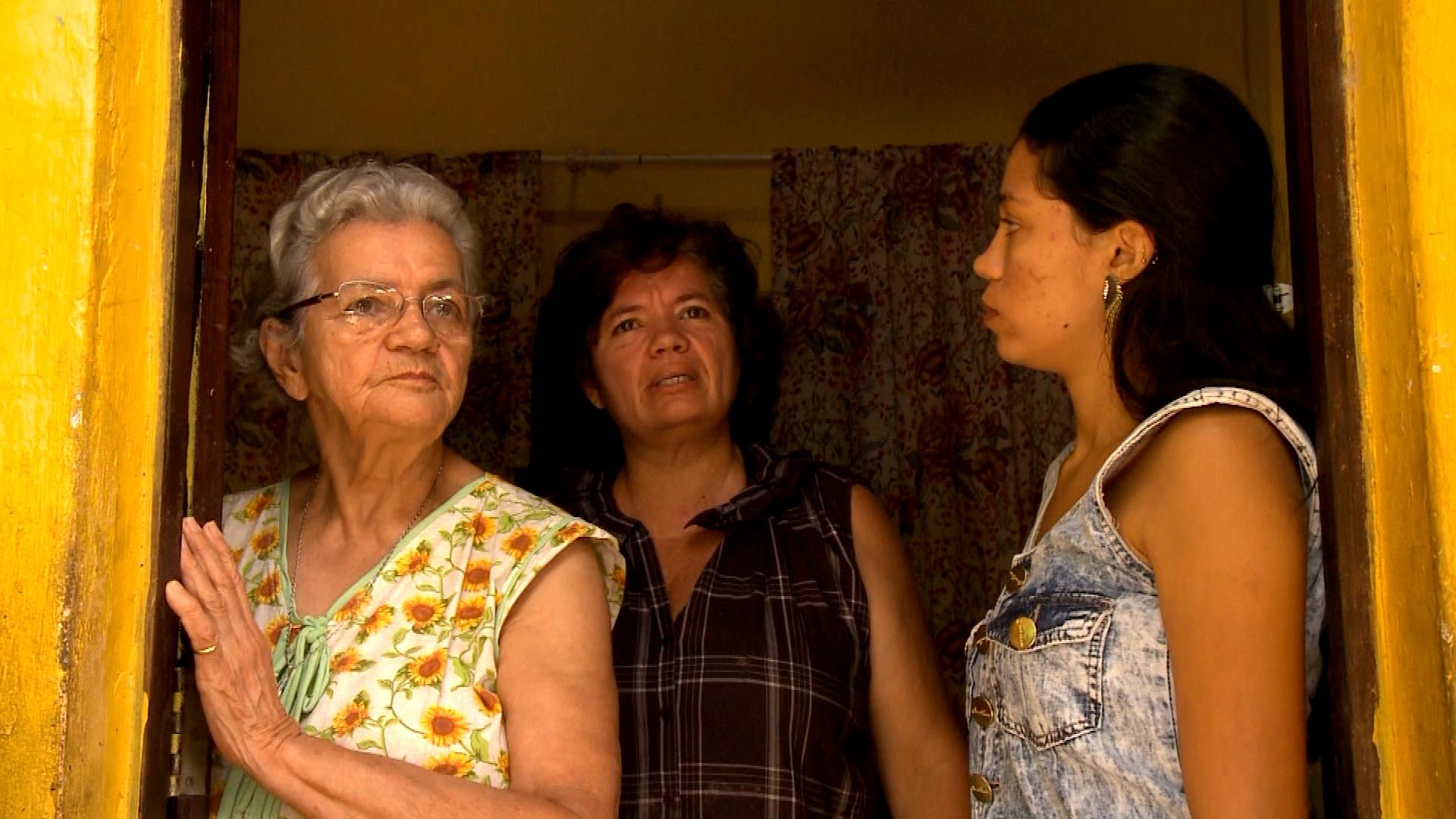 Magdalena, Marta e Azânia Leiros comandam a mobilização do Coletivo Mulheres do Calafate, em Salvador
