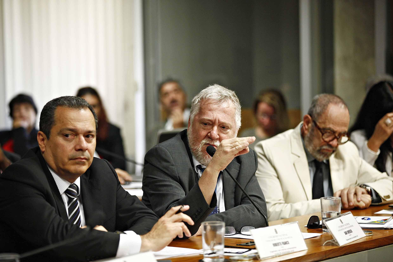 Conselheiro Davi Emerich pede ao governo diálogo na construção de uma legislação para a comunicação