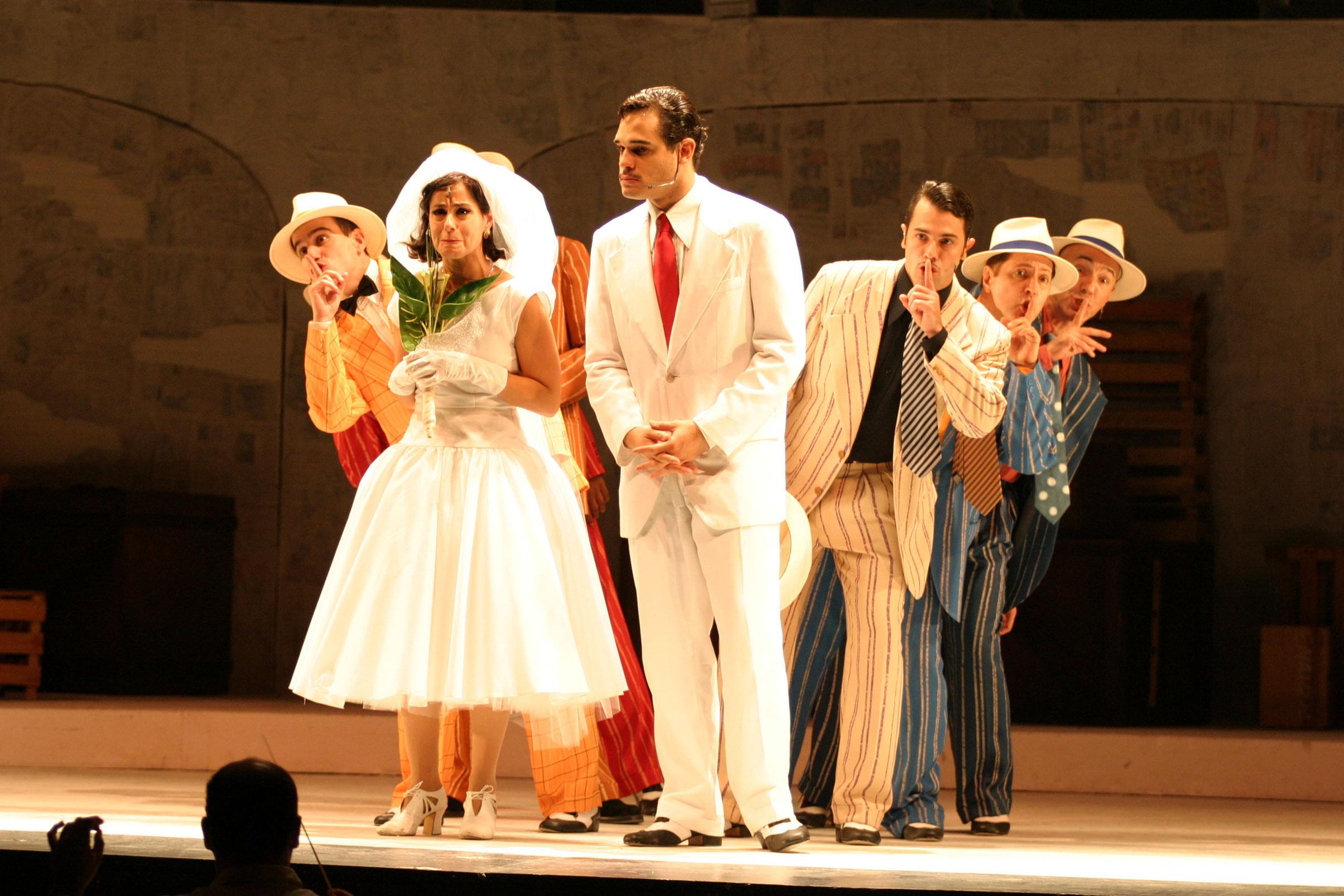 """Ensaio geral da peça """"A Ópera do Malandro"""", no Teatro Carlos Gomes"""