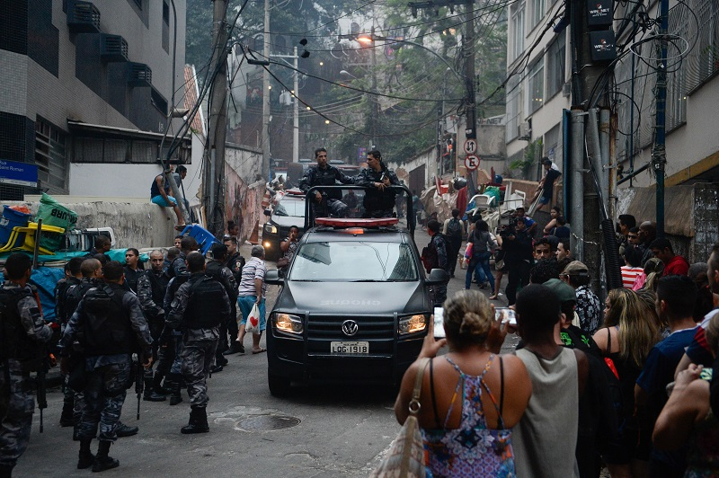 Movimentação da polícia na comunidade Pavão e Pavãozinho